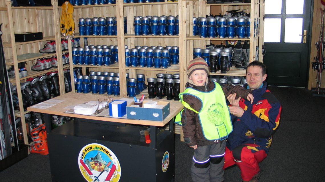 Standort 2: Kinder-Skistiefel ab Größe 24